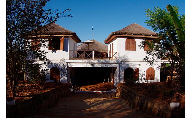 Мадагаскар – остров лемуров. Часть 3: Вход в отель    [b]Bekopaka – ворота в Цинги[/b]    После рассвета мы двинулись в путь.