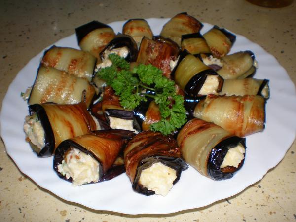 Баклажаны с чесноком и сыром рулетики рецепт с фото пошагово