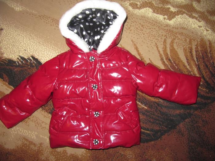 """Курточка """"GYMBOREE""""Размер 2Т-3Т(на 2-3 года). Не промокает и в ней ребенок никогда не потел! Курточка легко протирается тряпочкой,в идеальном состоянии.Очень красивая!В жизни красивее чем на фотке. Думаю носить ее можно от -7 До +7. Мы носили и в -5 и +10.Ни жарко,ни холодно. 1000 р"""