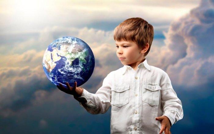 Седьмая причина - ребёнка не обманешь, он интуитивно чувствует ложь и истину