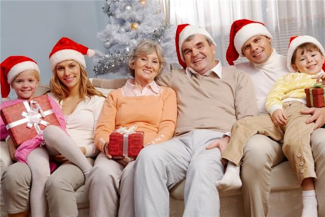 Праздновать новый год с родителями