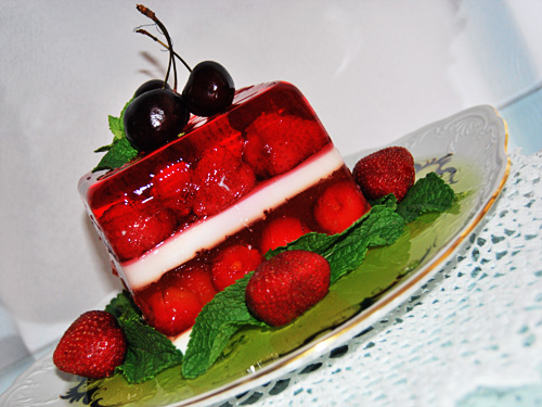 Желе из ягод можно есть на ночь