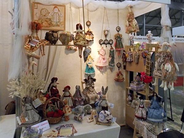 Выставка рукоделия в москве Одежда вязать для кукол