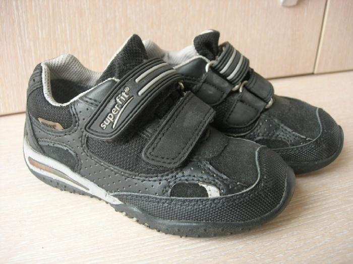 Продаю кроссовки Суперфит с Гортексом.д\м, размер 25, 16,5 см по стельке. Стостояние отличное! сын носил всего 1 сезон! цена 1200р. встречаюсь на Таганской
