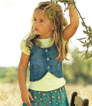 Как сшить детскую жилетку для девочки из старых джинсов