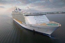 """Самый большой в мире круизный корабль """"Harmony of the Seas"""" отправился в первый рейс"""
