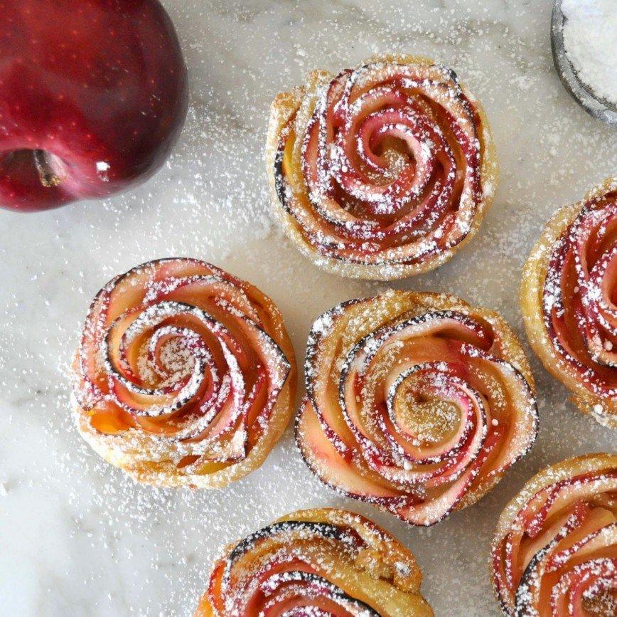 Рецепт розочек из теста и яблок рецепт
