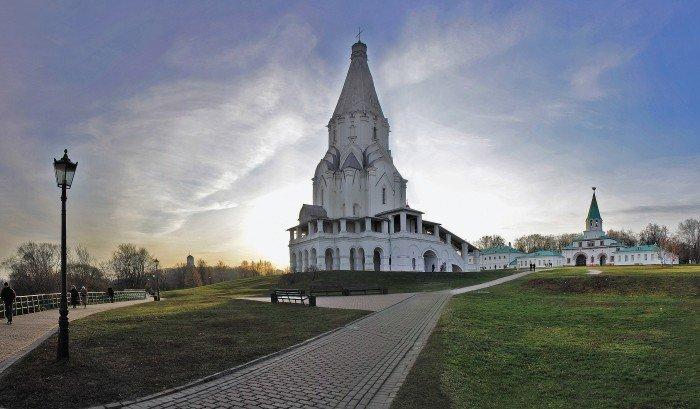 Топ-9 мест для пикника в черте города: «Коломенское»    Одно из самых зеленых мест Москвы, где выбрать место для пикника будет очень просто. Оглянитесь вокруг