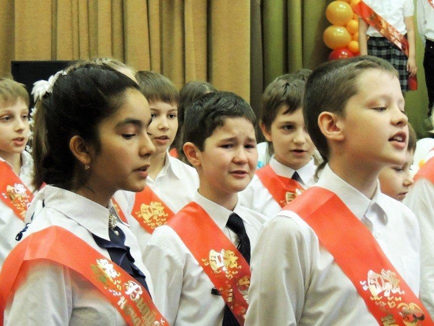 Васильева призвала вернуть внеклассное чтение и уборку классов силами учащихся