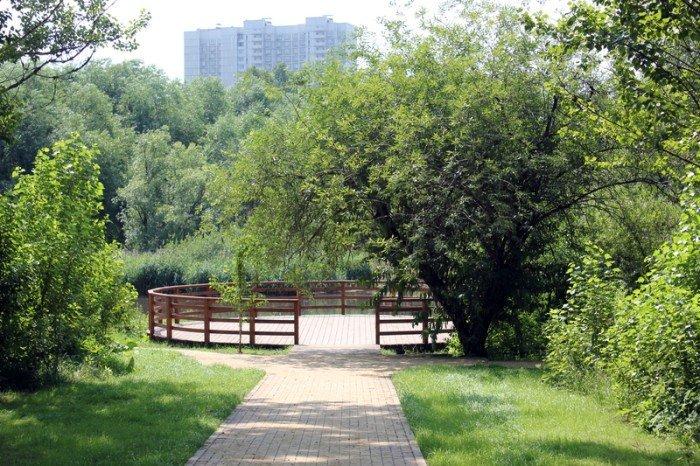 Топ-9 мест для пикника в черте города: Бабушкинский парк    Зеленый парк, где пикник будет спокойным, размеренным, в атмосфере уединенности. Поэтому, если хочется спокойствия наедине