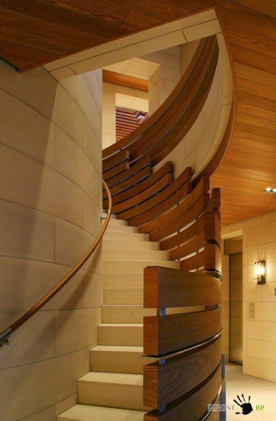 Лестницы, лестничные марши, лестницы к магазинам