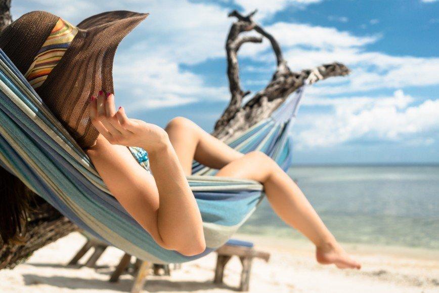 Раздетые на общественном пляже 24 фотография