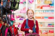 Россияне почти на треть сократили траты на подготовку детей к школе
