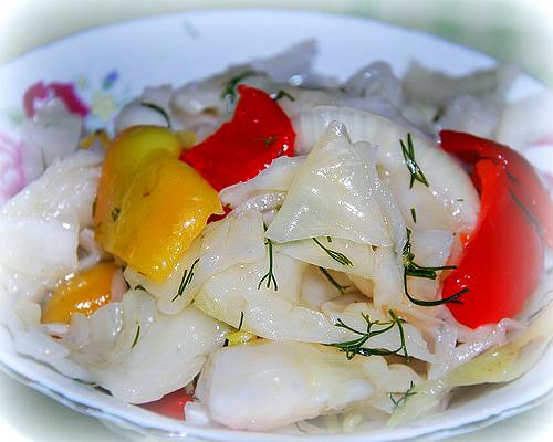 Рецепт быстрой засолки капусты с уксусом и болгарским перцем