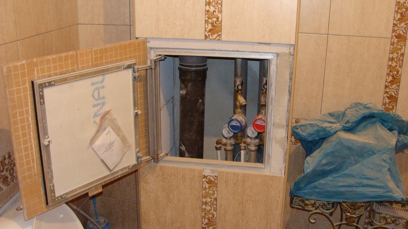 Как сделать дверцу в туалете для доступа к стояку своими руками 5