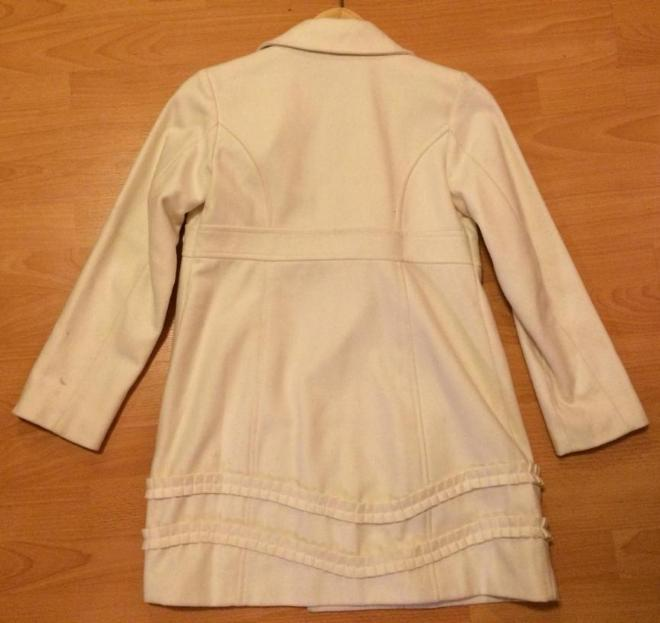 Пальто Old Navy (заказывала в США) на 11-12 лет (L), молочного цвета, б/у одиин раз, 800 руб.