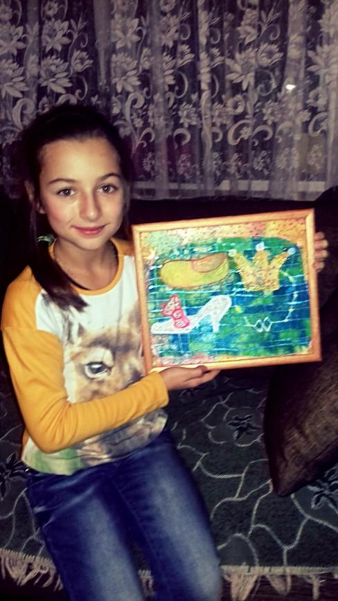 9-летняя Маруся продаст свою первую картину