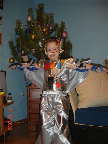 Новогодний костюм робота своими руками фото