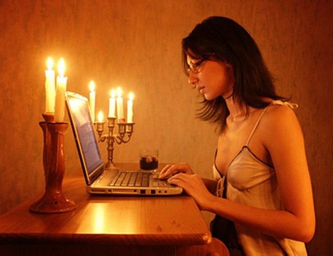 Девушки сидите ли вы на сайтах секс знакомств