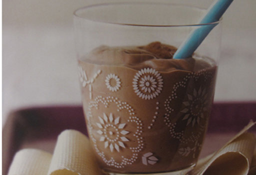 Диета Дюкана: рецепты: <b>Коктейль</b>  <br><br>  - 200 гр тофу,<br>  - 4 ст.л. сметаны обезжиренной,<br>  - 300 г обезжиренного ванильного
