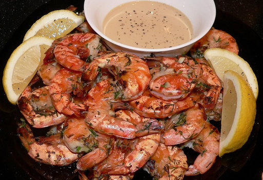 Диета Дюкана: рецепты: <b>Креветки с соусом из 0% йогурта (очень вкусный ужин)</b>  <br><br>  Креветки покупаю крупные (зелёные), чищу (панцирь не снимать!),