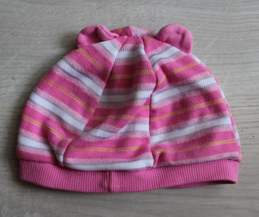 Шапка легкая, летняя, прим.на43-45см, розовая, трикотажная с ушками, б/у в идеале. 100р