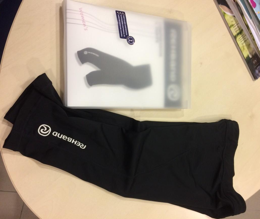 Компрессионные леггинсы Rehband (спортивная линейка Ottobock, модель 7719), женские, длина ¾, черные, обеспечивают поддерживающее воздействие на ягодичные мышцы, мышцы бедра и голени, 84% полиэстер, 16% спандекс. Абс.новые! В официальном магазине 4230р http://ottobock-shop.ru/sport-line/compression_clothes/7719/. 2700р ТОЛЬКО ПРОДАЖА