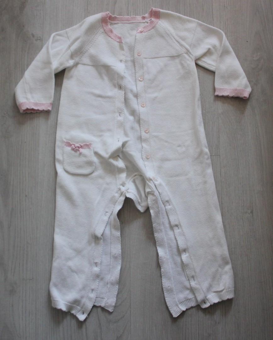 Слип Mothercare трикотажный, на 12-18мес (86см), нарядный, с розовой отделкой, полностью расстегивается, на пуговках. 200р