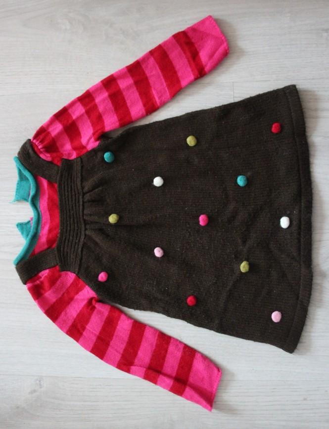 Платье вязаное Crazy8, на 6-12мес, коричнево-розовое с разноцветными украшениями, очень классное и стильное, в отл.состоянии. 250р