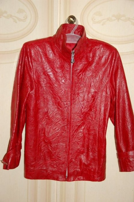 Куртка натуральная кожа красная р 128, Турция. 3000р, ношена мало.
