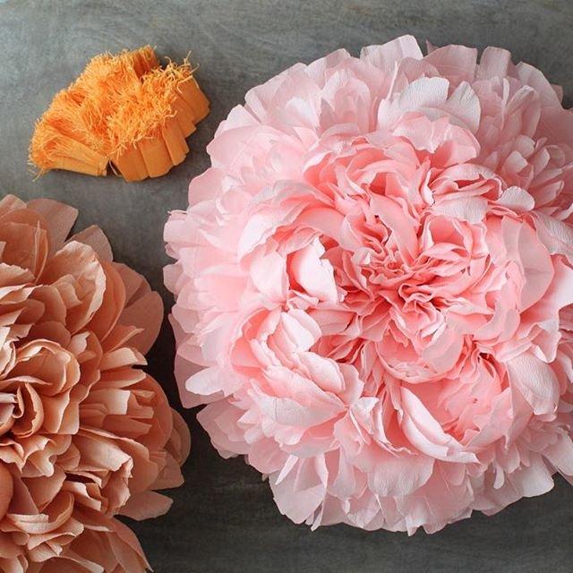 Цветок из сжатой бумаги
