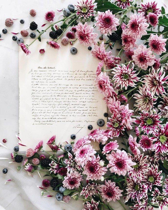 Парижанки знают толк в цветочных композициях: