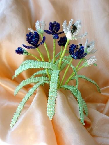 Цветы из бисера своими руками на подарок 38