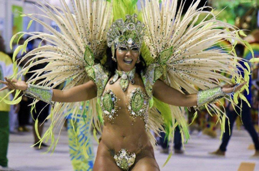 Онлайн видно бразильский карнавал порно