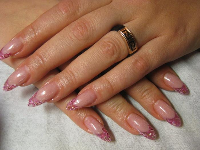 Наращивание ногтей френч миндалевидной формы