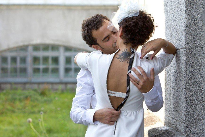 Секс в брачную ночь смотреть онлайн 26 фотография