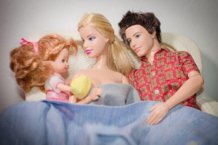 Как беременные рожают куклы барби 45
