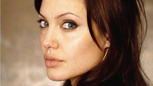 Грудь Джоли: абсолютная профилактика
