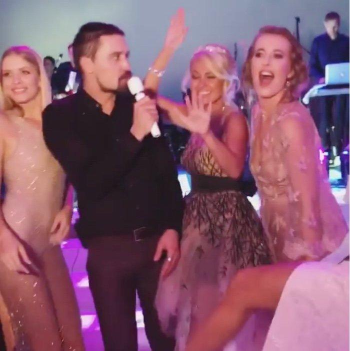 «Ксюша какая красивая!»: Собчак расцвела рядом с Биланом на венчании Рудковской