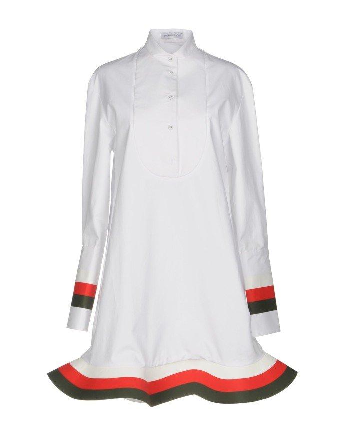 Снова в школу: наряды, которые позволят выглядеть школьницей и в 40 лет