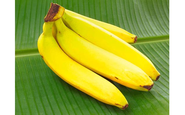 Учусь делать минет на банане