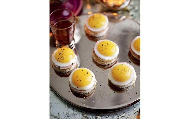 Мини-яйца Бенедикт