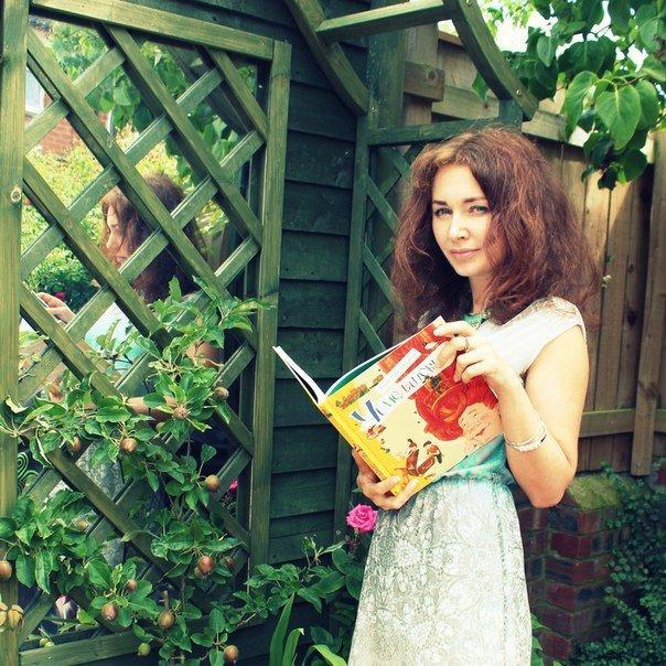 Анна Никольская: «Мы любим сочинять истории вместе с дочкой»
