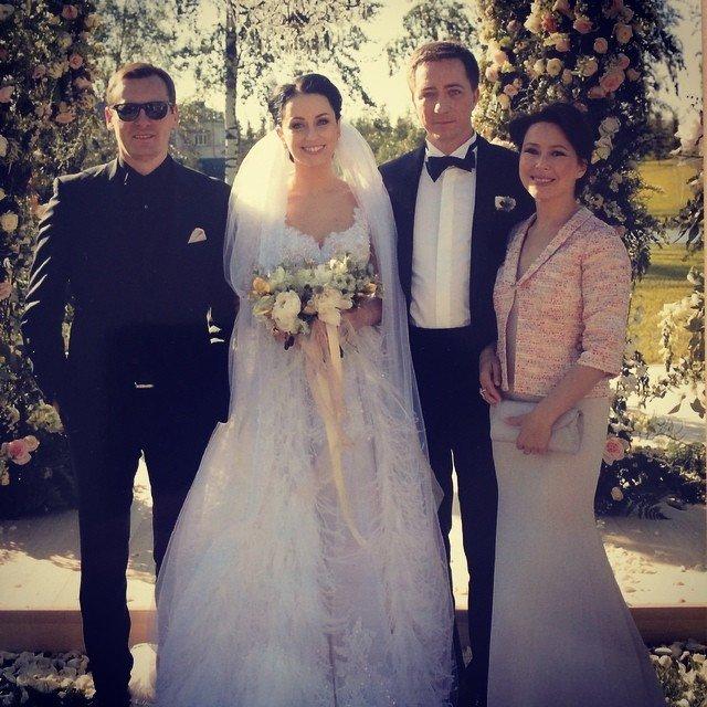 этой свадьба сына игоря крутого фото коричневого