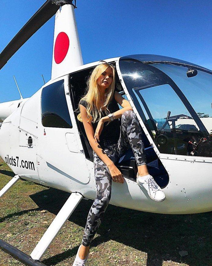 """Победительница конкурса """"Мисс Россия 2017"""" за продуктами прилетает на вертолете"""