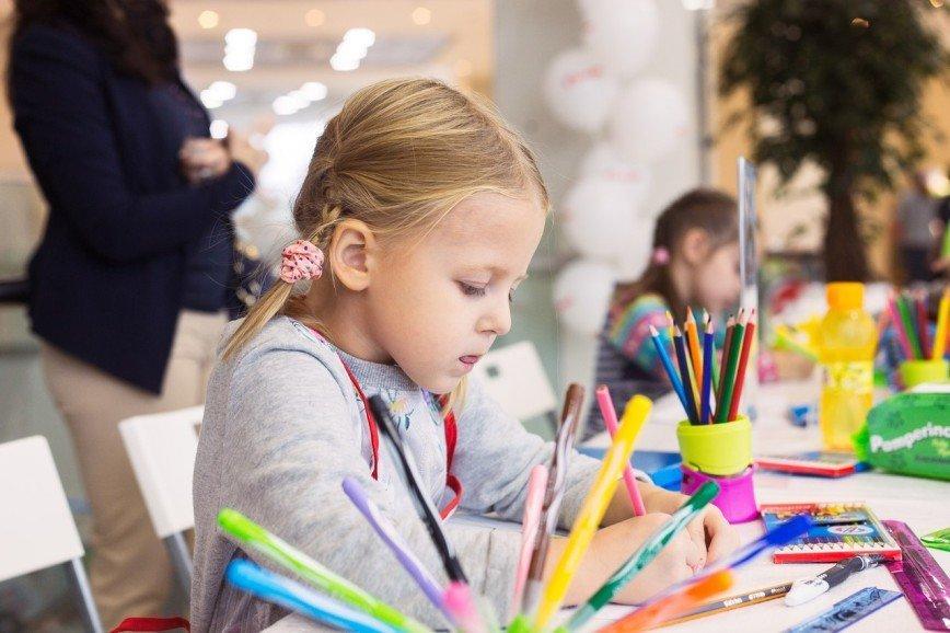 Детский творческий конкурс «Рисуем вместе с Комус»