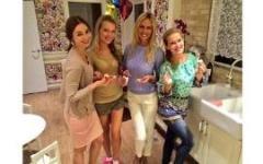 Виктория Лопырева гадала с подругами на Старый Новый год