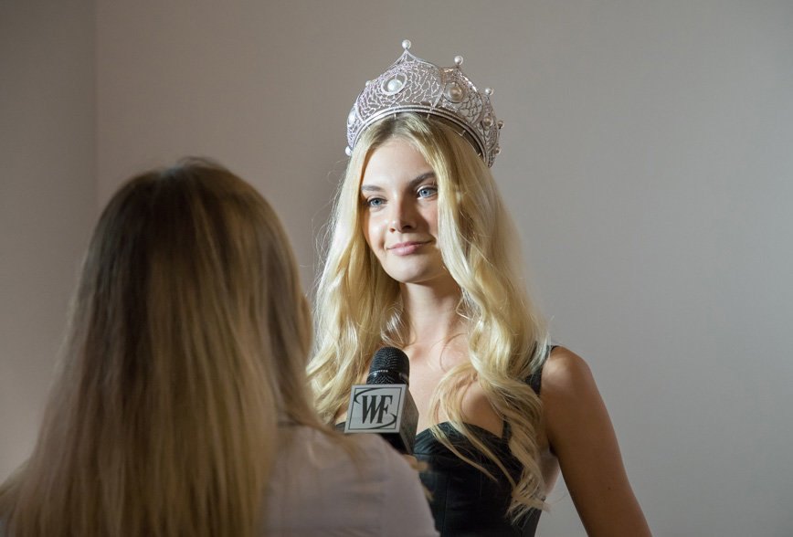 Полина Попова – Мисс Россия 2017 - вышла на подиум