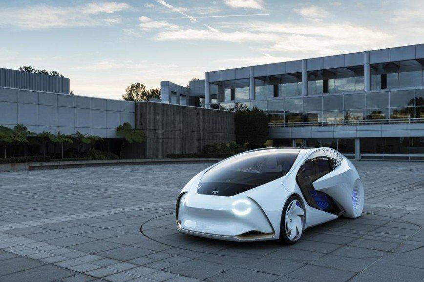 Тойота инвестирует 5 миллионов долларов в автомобили будущего