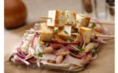 Салат из фенхеля, белой фасоли и обжаренного сулугуни